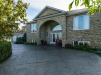 Property: 7 Wedgewood PL, Gimli, Manitoba